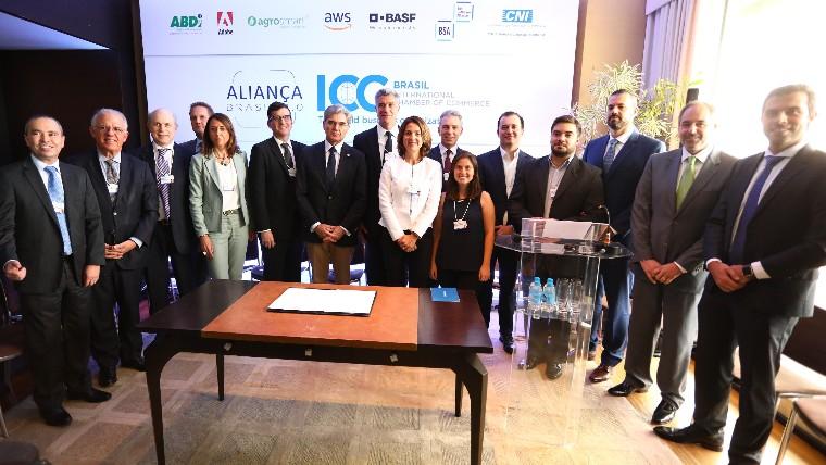 Aliança 4.0: Executivos assinam acordo para promover uso de novas tecnologias na indústria