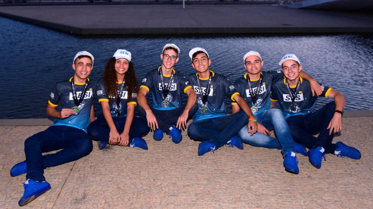 Estudantes do SESI são homenageados no Palácio do Planalto
