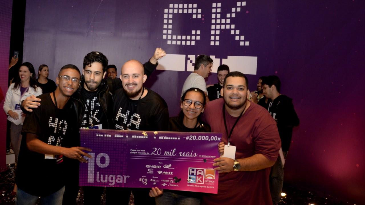 Alunos do SENAI do Rio são campeões do HackNit, maratona de criação de soluções para desafios de Niterói