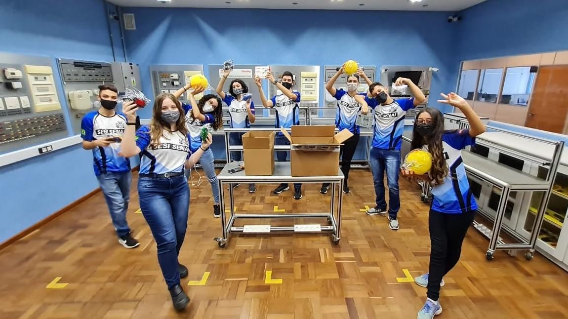 FRC América Latina: brasileiros são premiados em competição de robôs gigantes