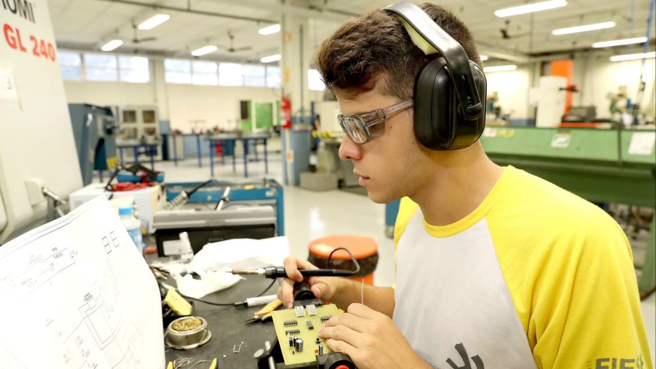 Sete em cada dez formados no ensino técnico estão empregados