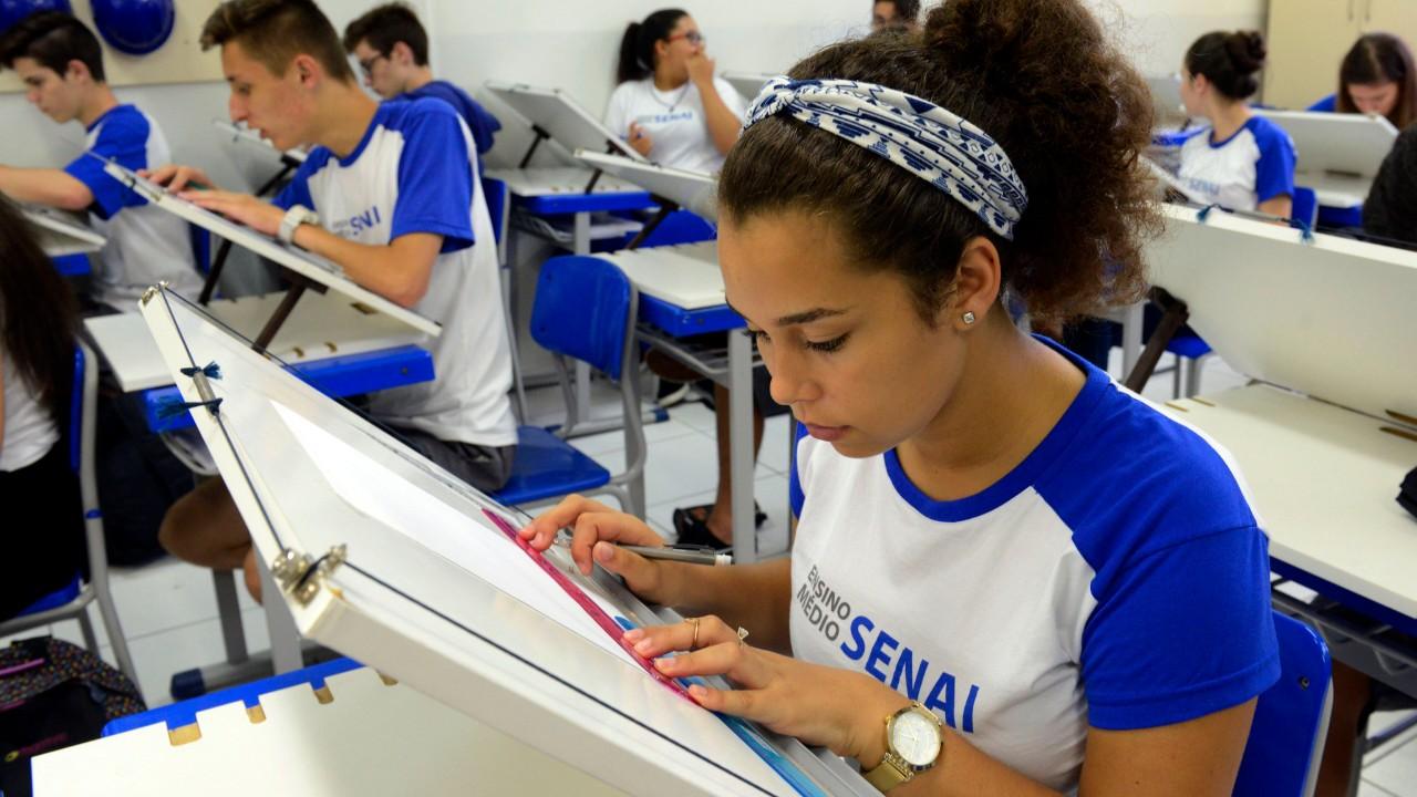 Novo ensino médio permite construir escola do século 21