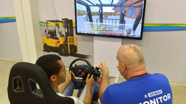Com ambiente virtual e simuladores 3D, exposição do SENAI apresenta futuro das tecnologias de aprendizagem