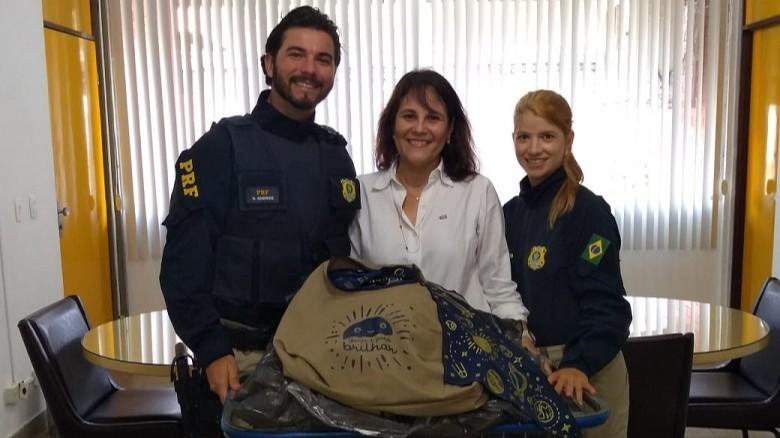 SENAI e PRF transformam fardas antigas em bolsas e bandanas para crianças com câncer