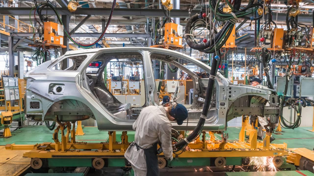VÍDEO: Minuto da Indústria mostra que o setor enfrenta dificuldades para sair da crise