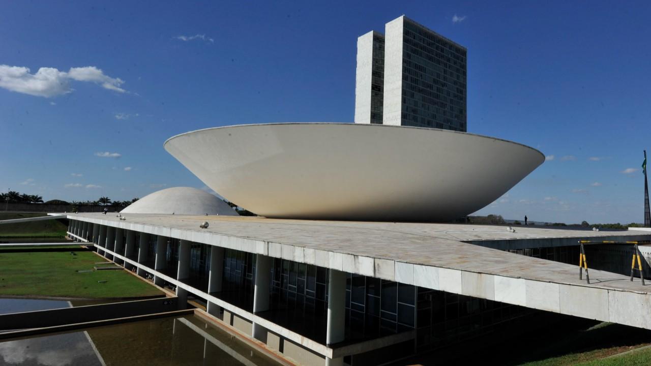 Acordos que abrem mercado US$ 109 bilhões em compras públicas para o Brasil seguem parados