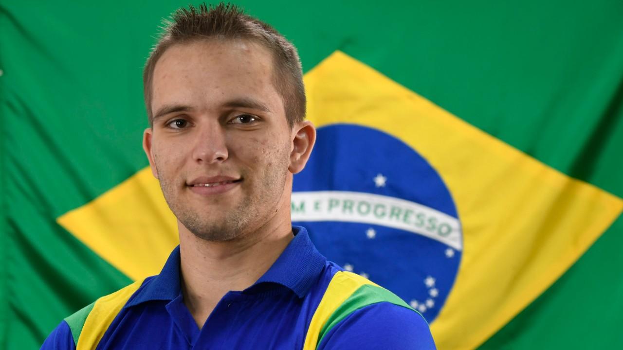 Jovem catarinense compete na WorldSkills seguindo os passos do irmão