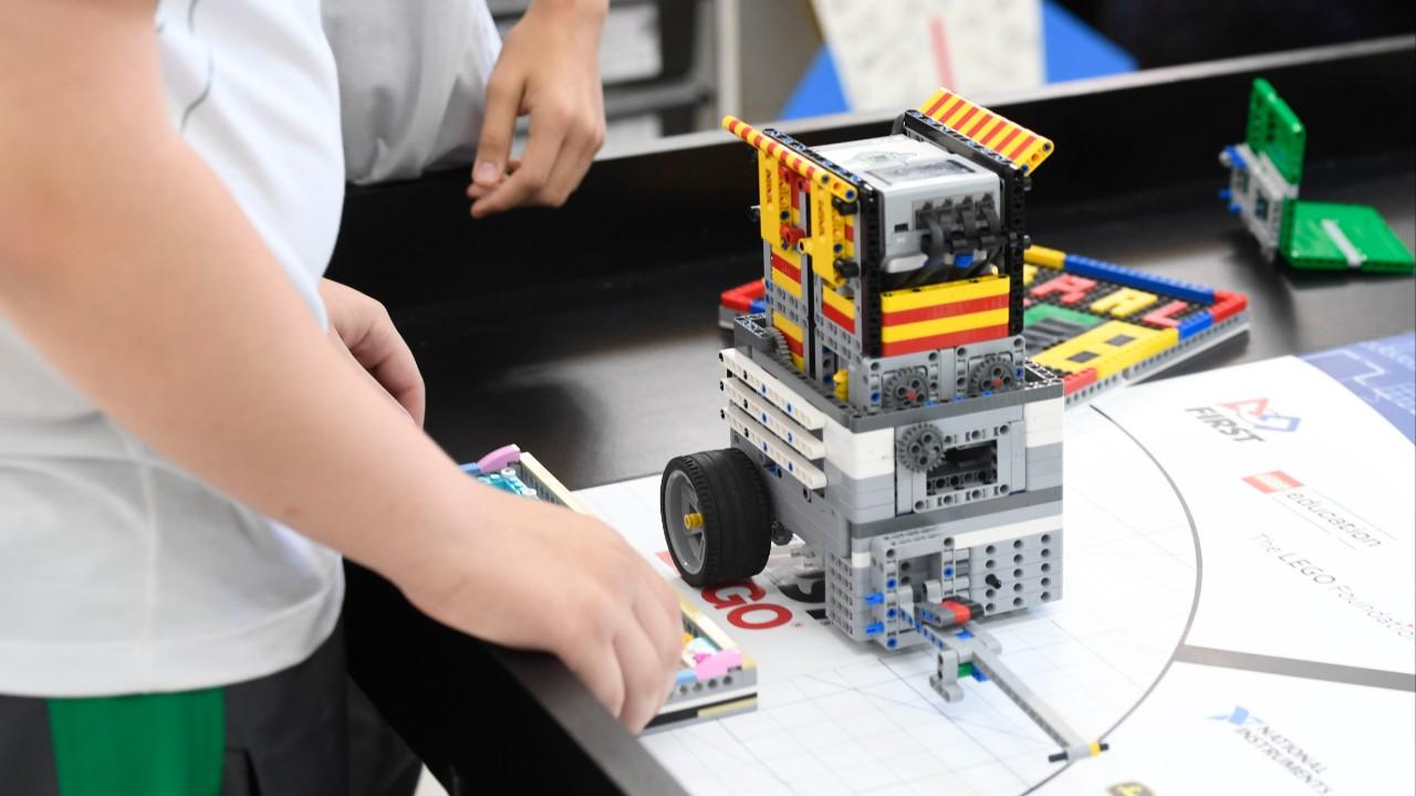 Mais de 200 equipes participam de torneios regionais de robótica neste fim de semana