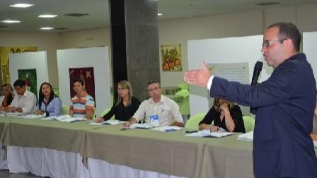Empresários e gestores participam de curso sobre legislação trabalhista e gestão de pessoas