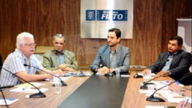 Bartolomé Garcia participa de evento da Fieto sobre serviços e gestão sindicais e recebe homenagem