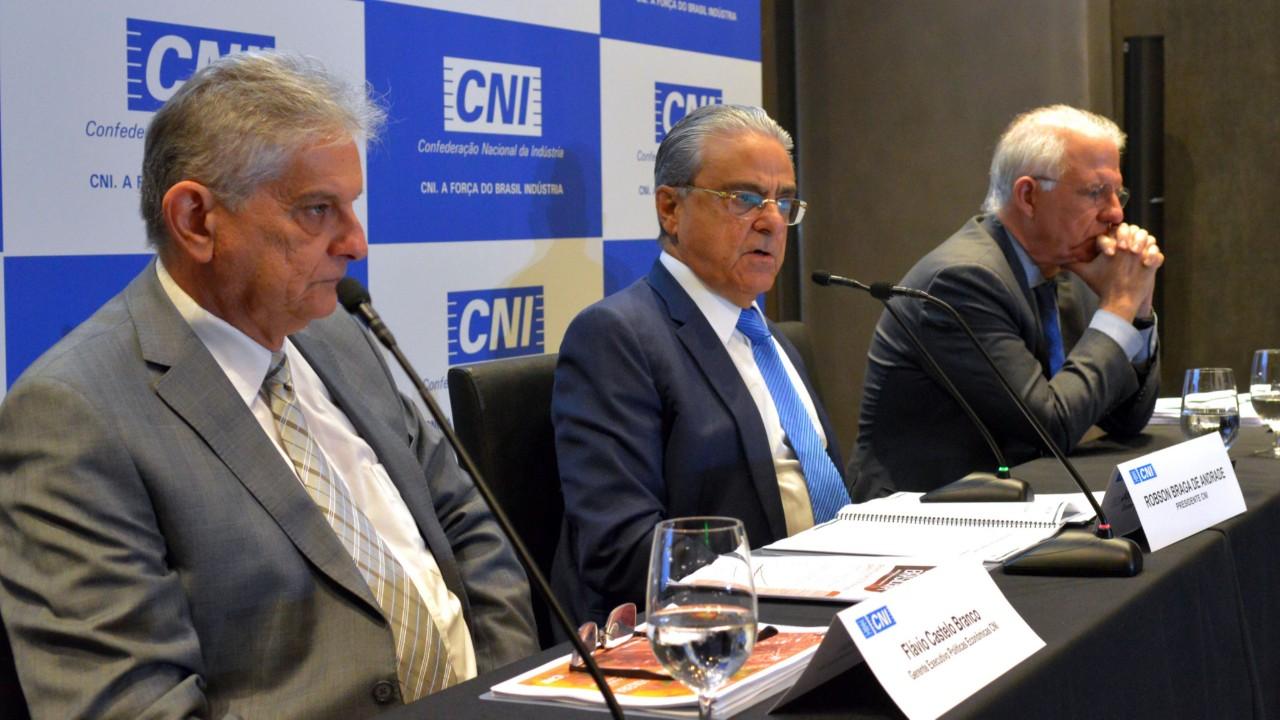 Economia brasileira crescerá 2,7% e indústria terá expansão de 3% em 2019, prevê CNI
