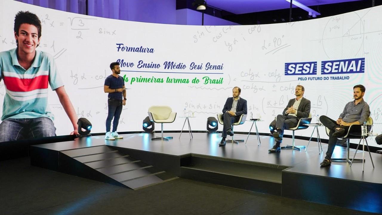 SESI e SENAI formam primeira turma do novo Ensino Médio