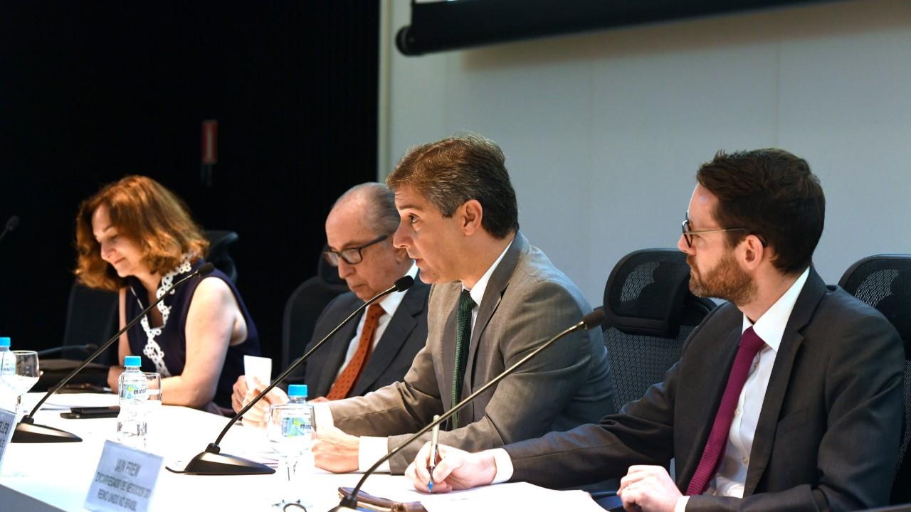 Indústria defende harmonização das normas tributárias brasileiras com a OCDE