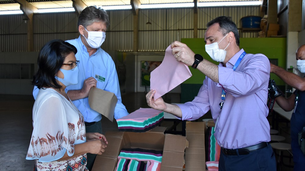 Indústria e governo de Mato Grosso do Sul se unem na produção de máscaras