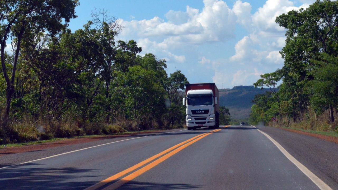 Governo empenha R$ 1,1 bilhão em emendas parlamentares impositivas na área de transporte