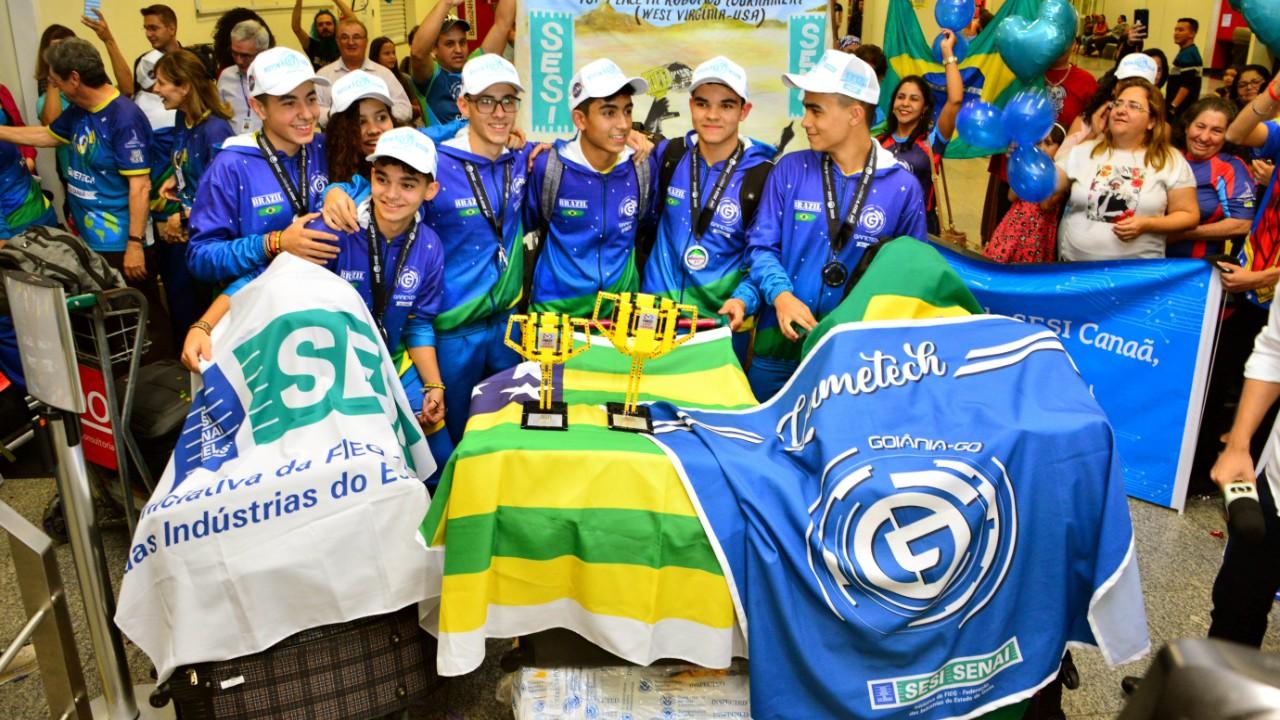 Agência Espacial Brasileira parabeniza estudantes do SESI premiados em competição da NASA