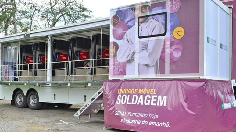 Catorze carretas equipadas com maquinário de ponta levam cursos aos 79 municípios de MS