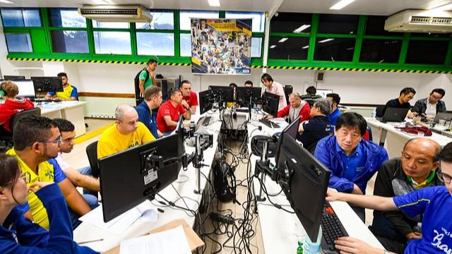 Brasil leva 1º lugar em simulados internacionais de Web Design e Soluções de Software para Negócios