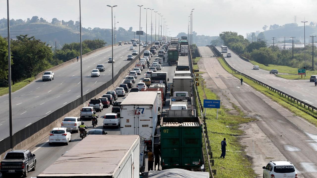 Aprovação da tabela de frete rodoviário representa risco de retrocesso permanente para a economia brasileira