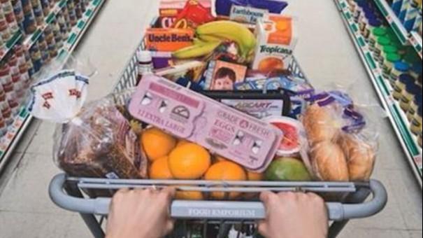 Índice Nacional de Expectativa do Consumidor cai em abril e alcança menor patamar desde junho de 2001