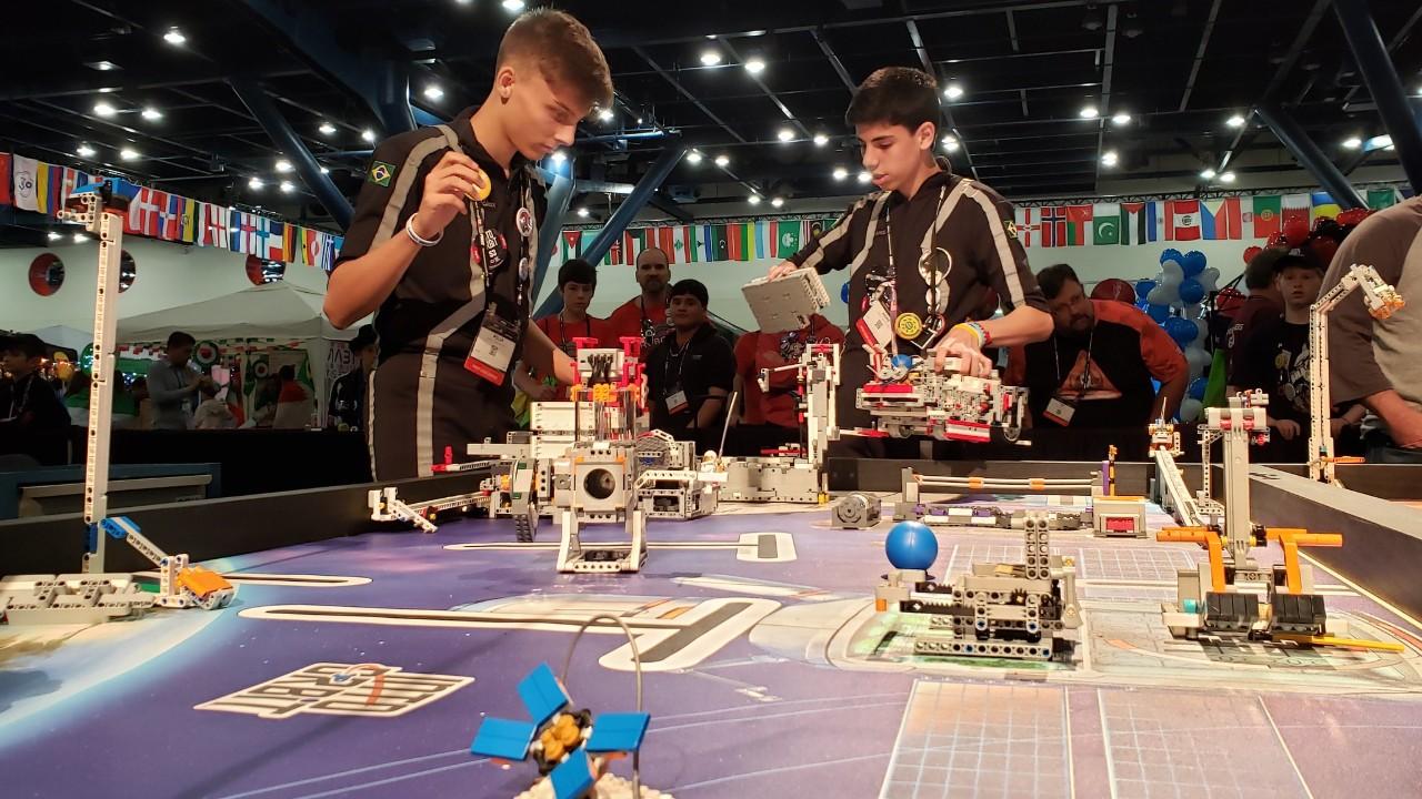 Após Festival SESI de Robótica, jovens conquistam 33 prêmios em torneios internacionais