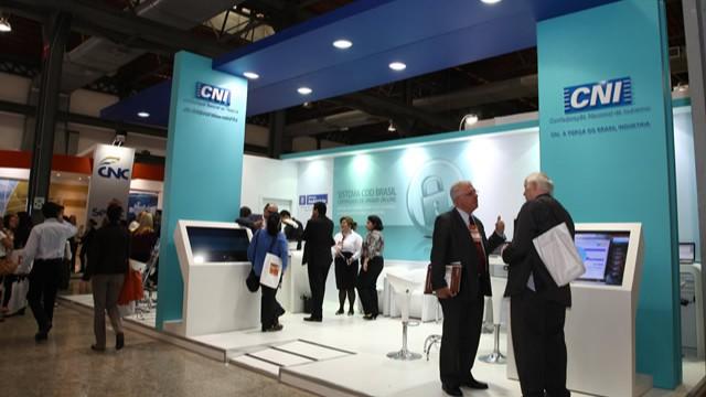 CNI divulga ações de comércio exterior em estande no ENAEX 2013