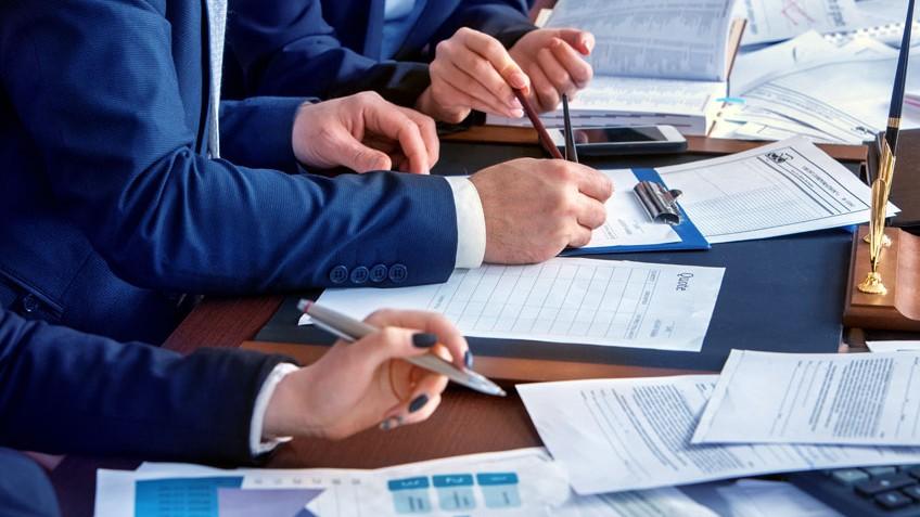 Confiança dos empresários está quase 4 pontos abaixo da média histórica, informa a CNI