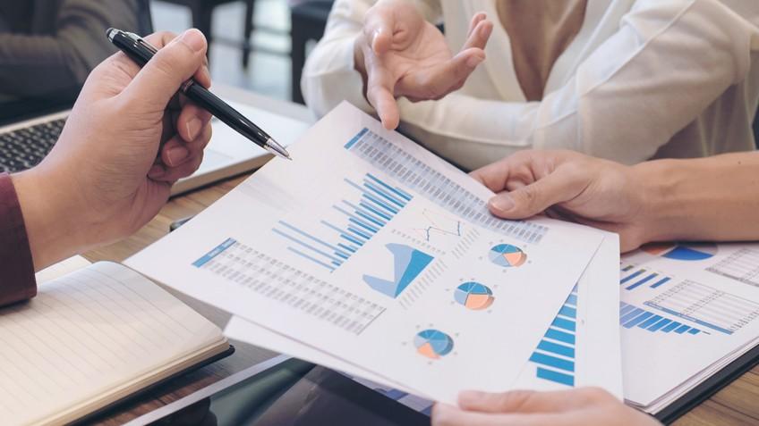 Confiança do empresário cai 2,6 pontos em março, informa CNI