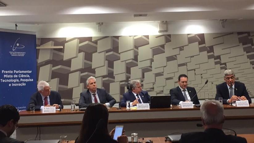 Falta de previsibilidade de recursos impede inovação consistente, diz Pedro Passos