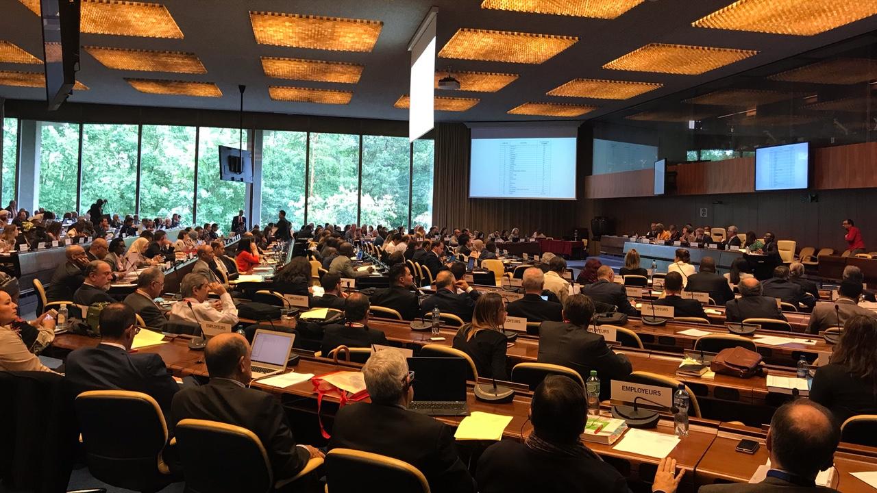 Mesmo sem violar tratados trabalhistas internacionais, Brasil volta a lista da OIT