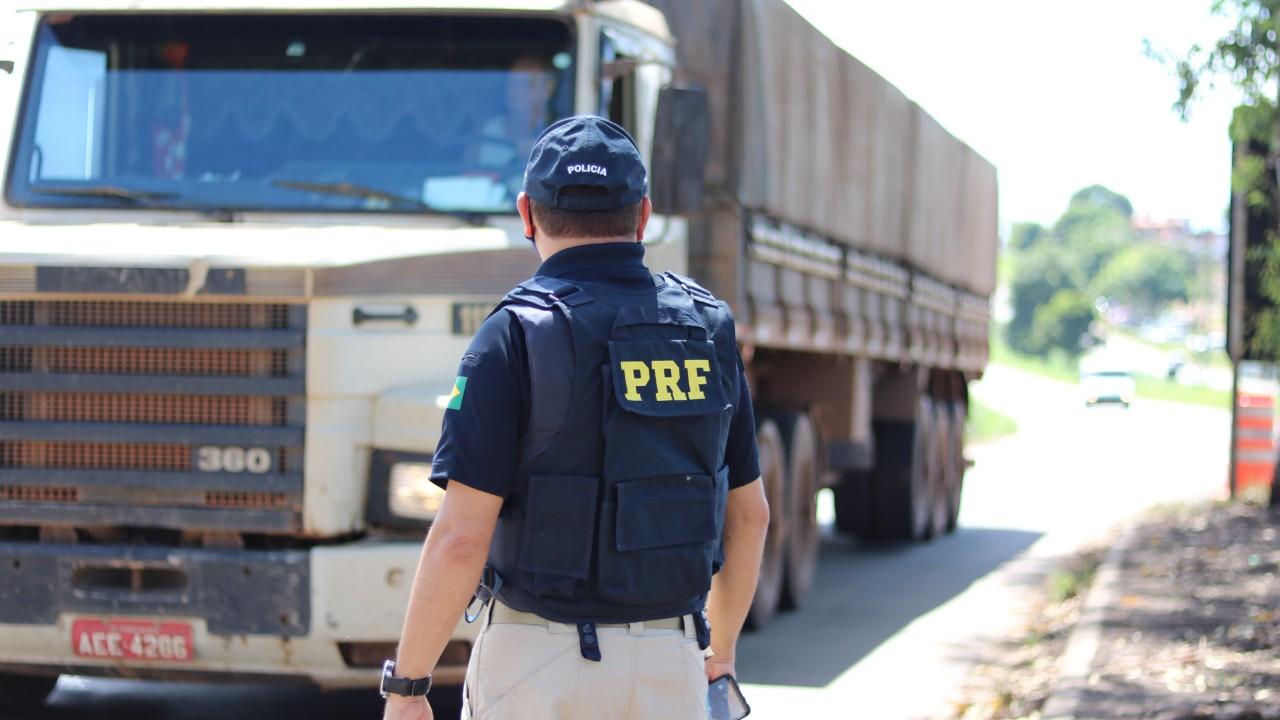 VÍDEO: 6 dicas para evitar acidentes com caminhões nas estradas