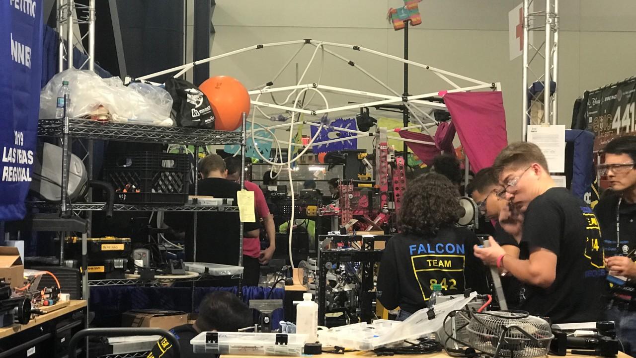 Foi dada a largada da principal competição de robótica do mundo