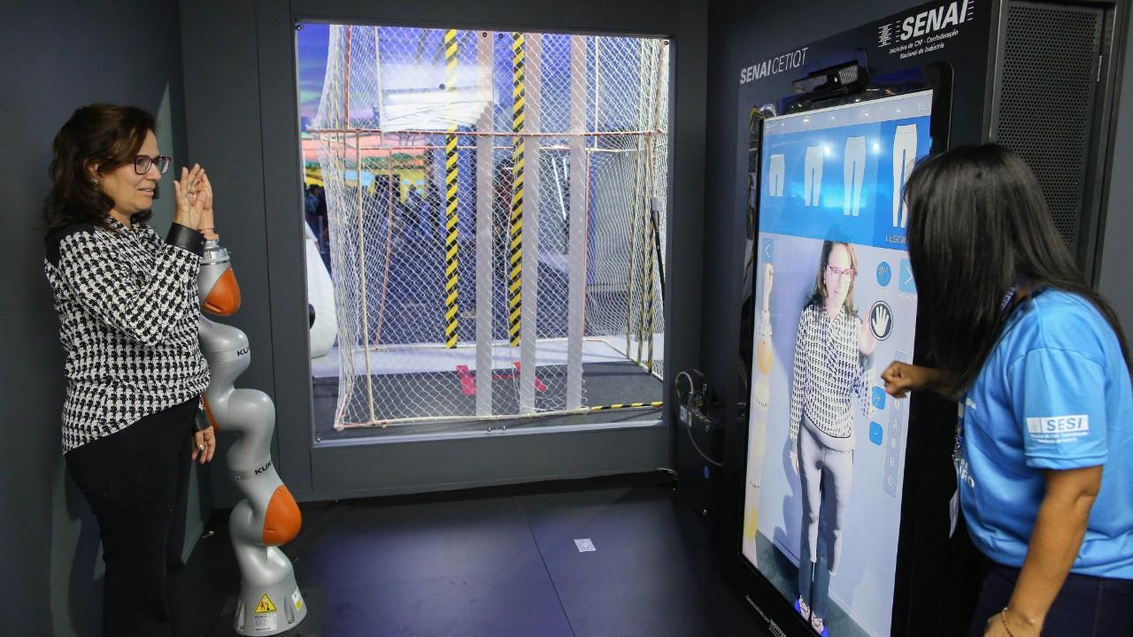 VÍDEO: Confecção 4.0 personaliza roupas com precisão e agilidade