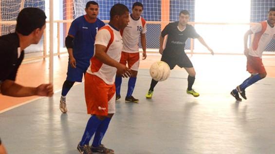 Jogador de futsal vive dia de herói nos Jogos Nacionais do SESI