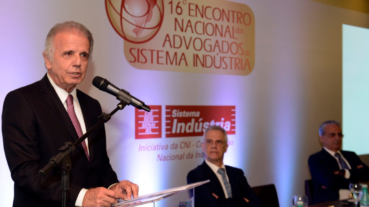 Geração de emprego é a pauta prioritária para o país, diz ministro José Múcio