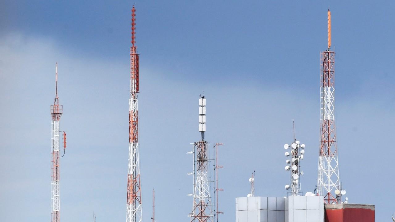 Banda larga e 5G dependem de simplificação do licenciamento para antenas