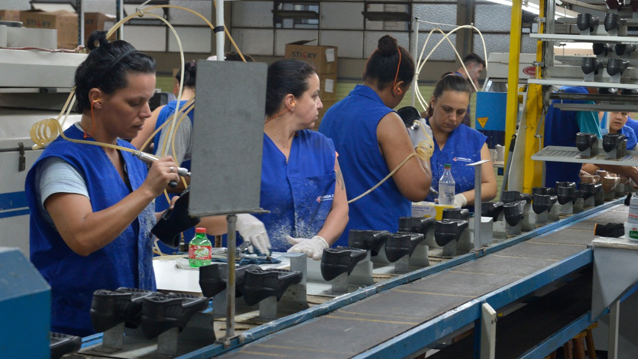 CNI divulga perfil da indústria nos 26 estados e no Distrito Federal