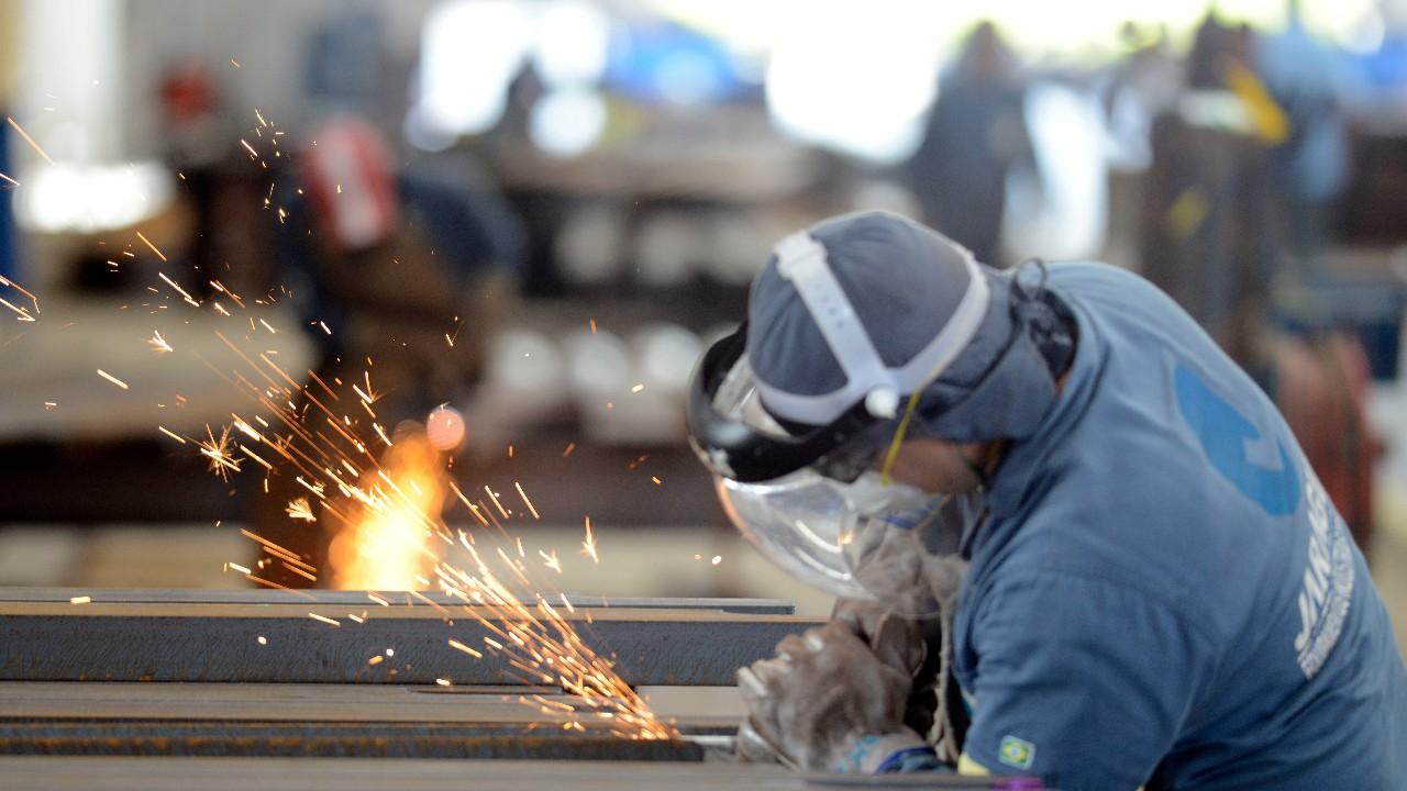 Indicadores da indústria mostram desempenho positivo em março, aponta CNI