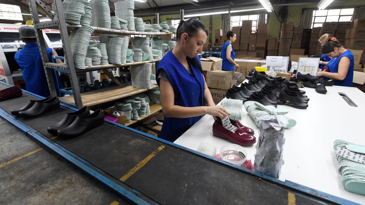 Custo da indústria subiu 8,6% com alta no preço de insumos e matérias-primas