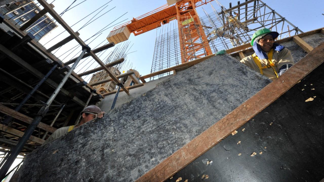 Indústria da construção registra 50% de ociosidade em abril