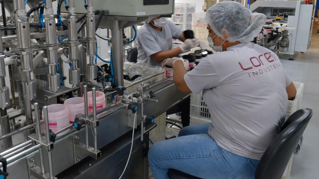 Situação da indústria melhora em junho, embora país esteja claramente em crise, afirma CNI