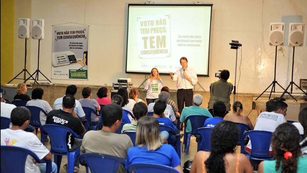 Campanha contra venda de votos chega aos bairros de Campo Grande