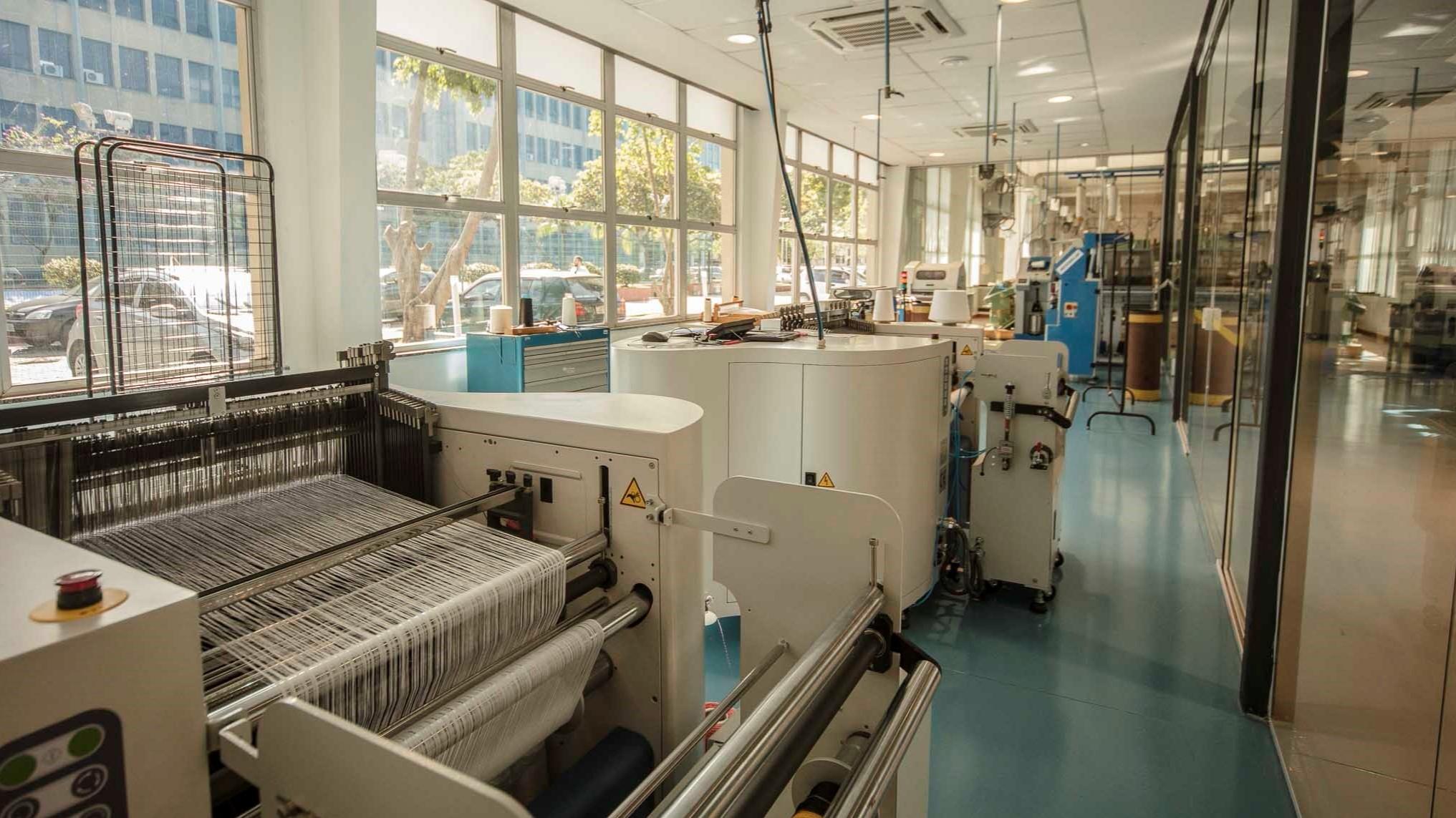 Instituto SENAI de Inovação inicia pesquisas para produzir materiais têxteis resistentes a 1000 ºC