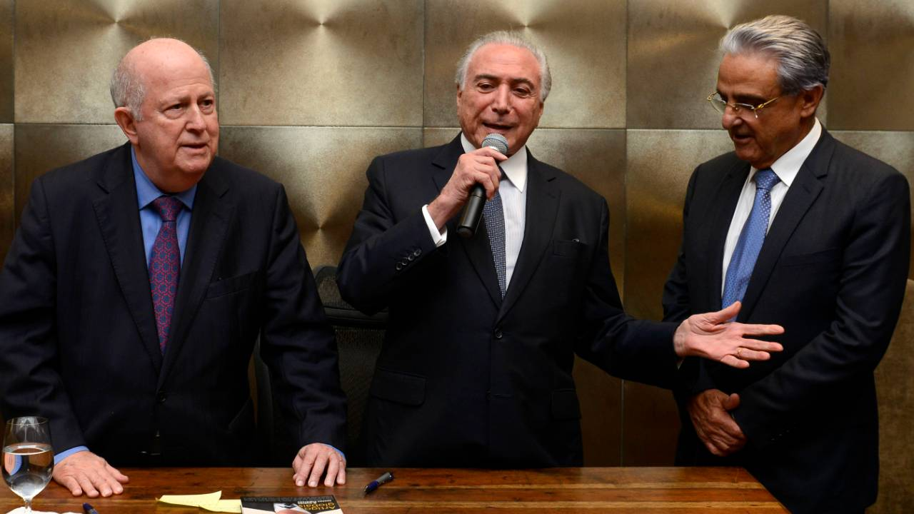 Ex-presidente da CNI Albano Franco lança livro com coletânea de textos