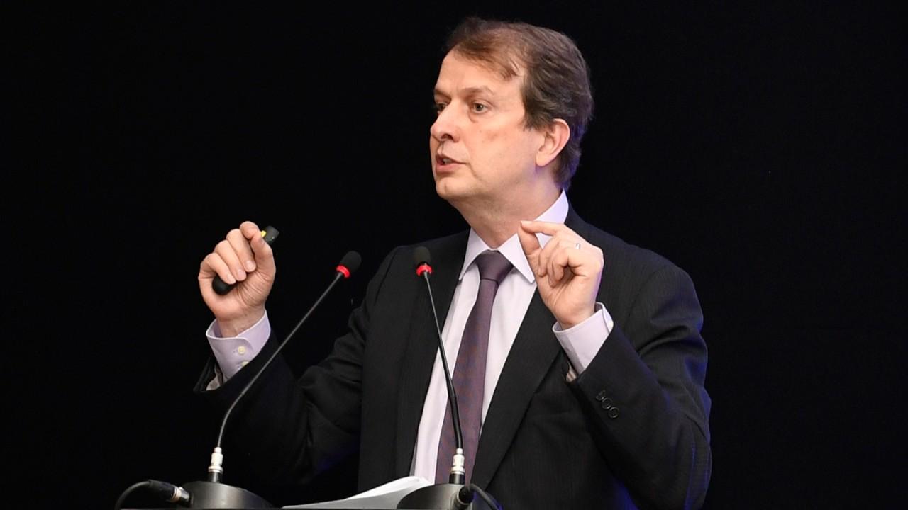 Há uma alienação bacharelesca e academicista no Brasil, afirma diretor-geral do SENAI
