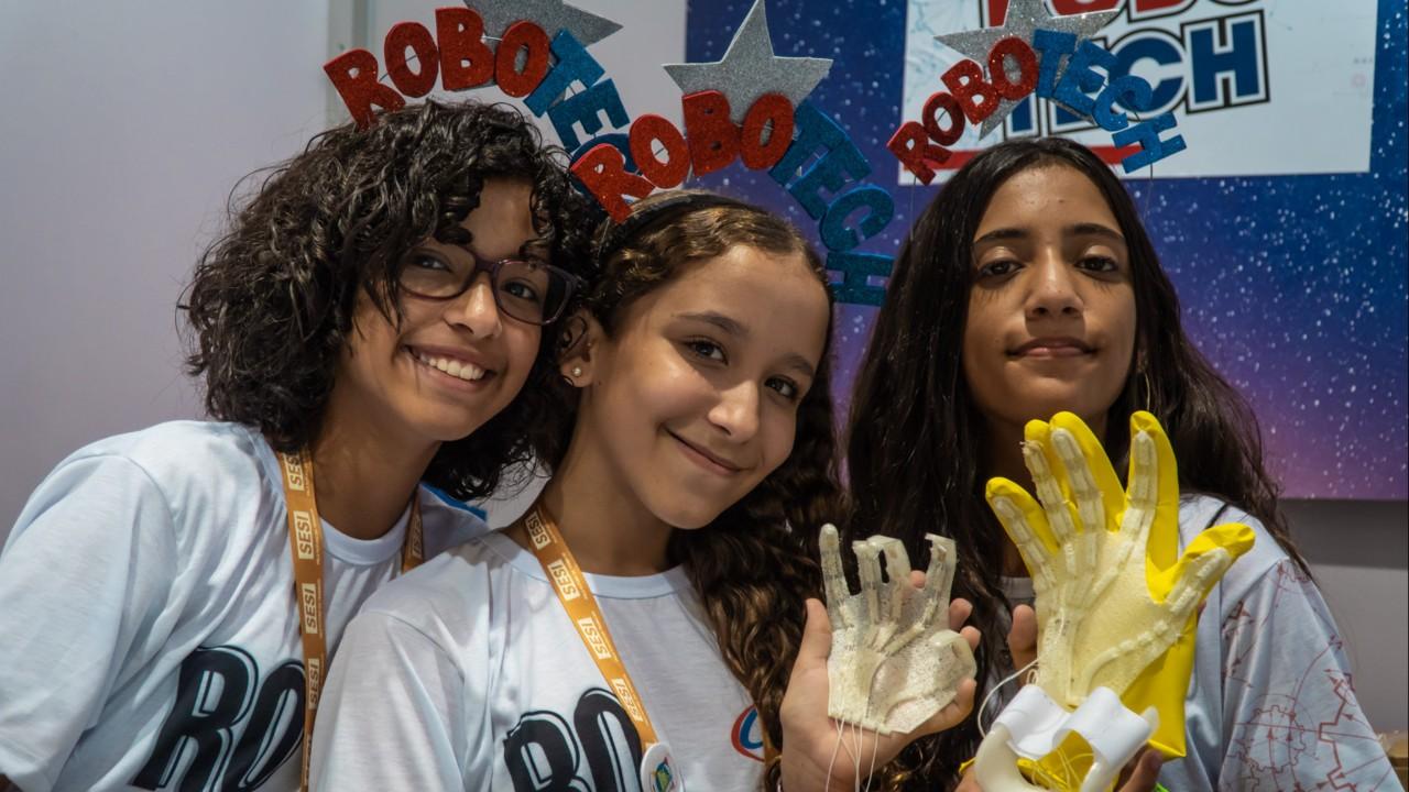 Com protótipo de luva espacial, alunos de Aracaju propõem alternativa para melhorar circulação do sangue