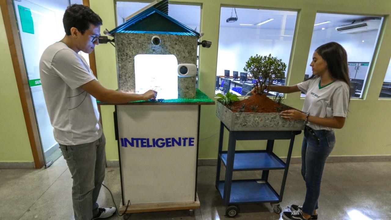Casa inteligente, criada por alunos do SENAI, é finalista em prêmio