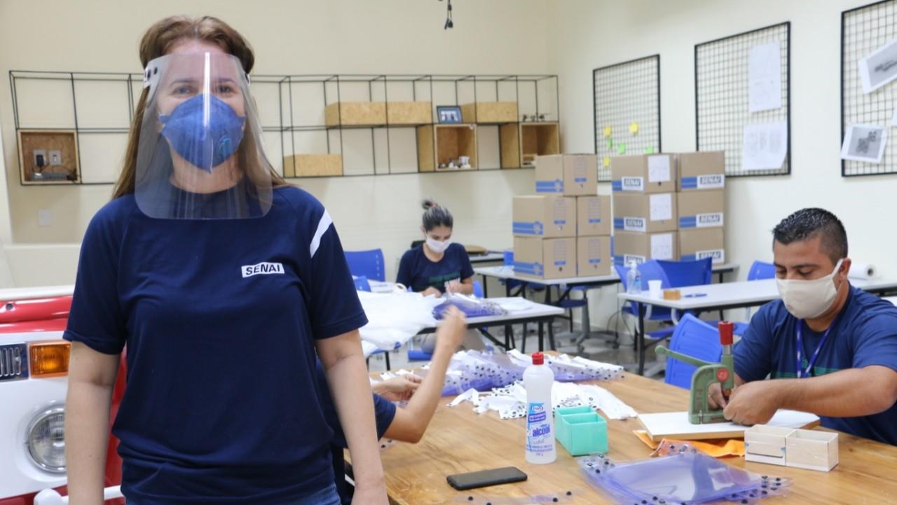 Federações das indústrias realizam doações de ventiladores pulmonares e de EPIs