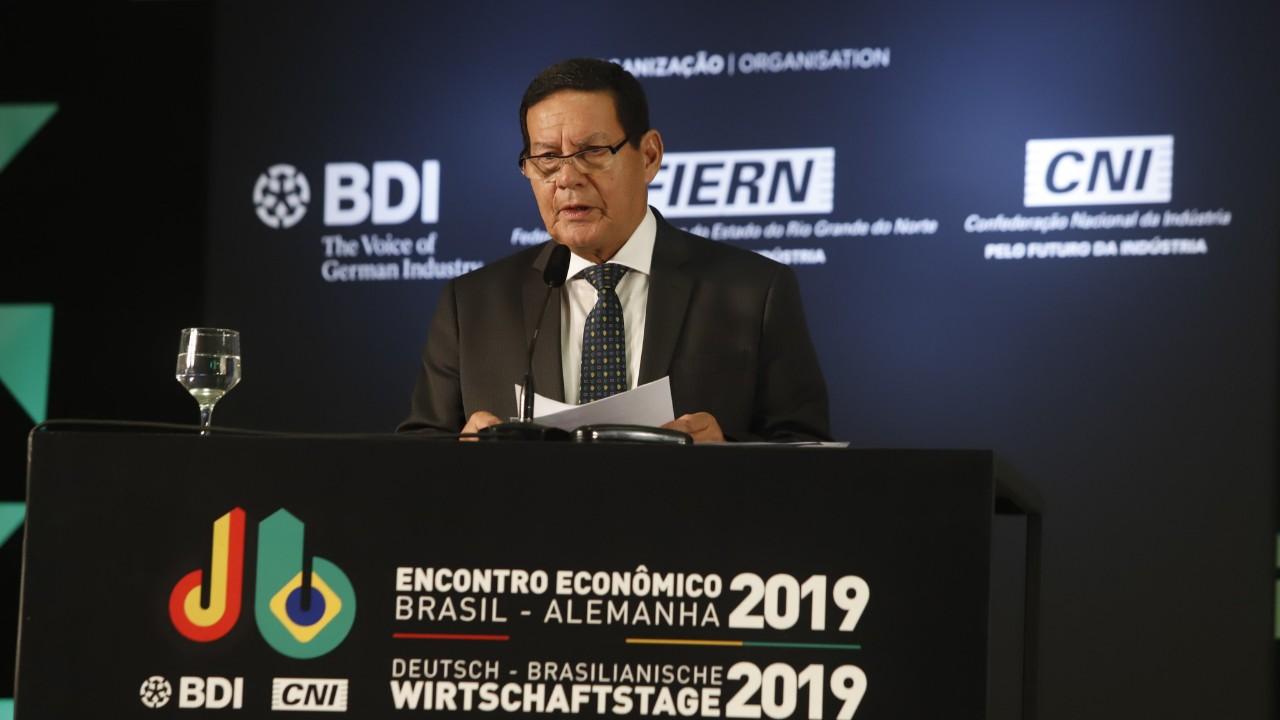Quero destacar o compromisso do governo Bolsonaro com a Amazônia, diz general Hamilton Mourão