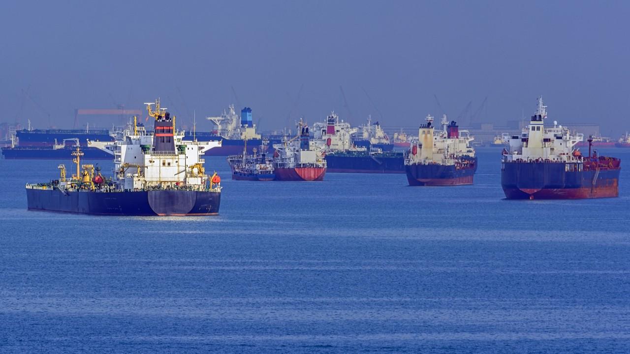 Excesso de licenças e de órgãos envolvidos em importação e exportação afetam US$ 140 bilhões em negócios